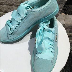 Puma Sea foam green heart basket running shoes
